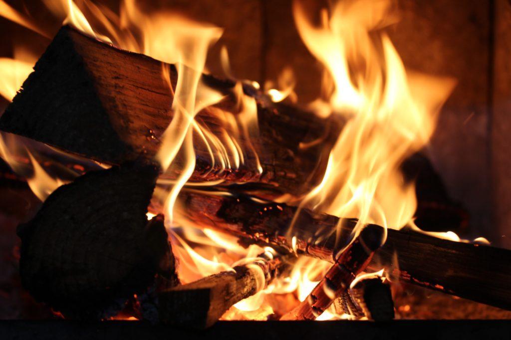 Kaminfeuer- Gemütlichkeit